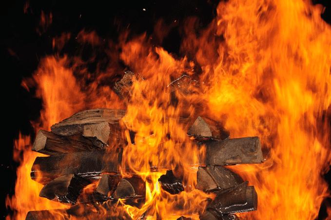 Feuerlauf und andere Mutproben